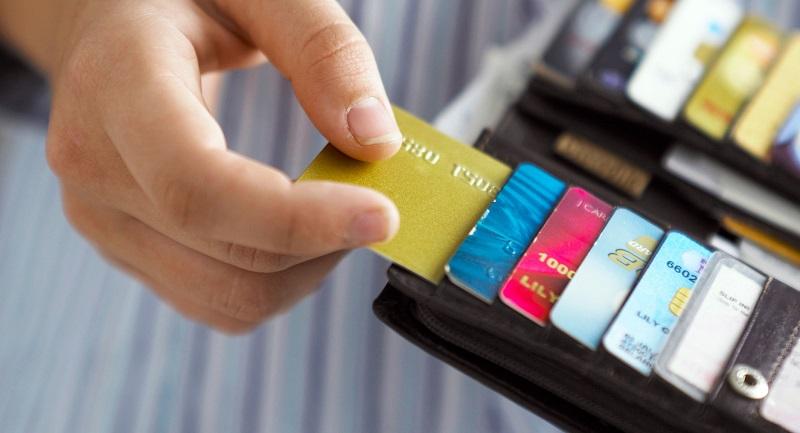 Cartões de crédito na carteira