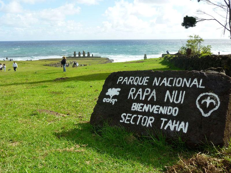Parque Nacional Rapa Nui na Ilha de Páscoa no Chile: placa de entrada