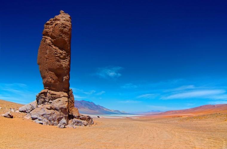 Salar de Tara em San Pedro de Atacama no Chile: rocha Guardião